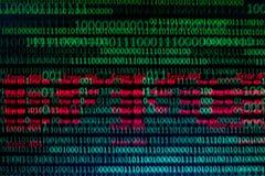 Numerieke ononderbroken, abctract gegevens in binaire code, geeft technologie het felling stock foto