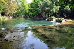 Numeriska Tok Chet Sao Noi Waterfall i Saraburi Thailand Arkivbilder