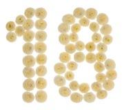 Numero arabo 18, diciotto, dai fiori crema del crisantemo Fotografia Stock Libera da Diritti