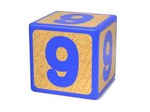 Numero 9 - blocchetto dell'alfabeto dei bambini. Fotografie Stock