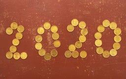 Numero 2020 con le monete fotografia stock