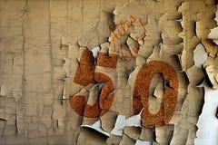 Numero dorato 50 sulla copertura con testo tedesco tutto il meglio Fotografia Stock Libera da Diritti