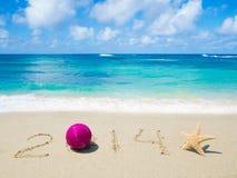 Nummer 2014 op het zand - vakantieconcept Stock Afbeeldingen