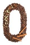 Nummer 0 van koffiebonen en species op witte achtergrond worden geïsoleerd die Stock Foto
