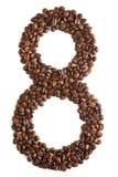 Nummer 8 van koffiebonen op witte achtergrond worden geïsoleerd die Royalty-vrije Stock Foto