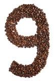 Nummer 9 van koffiebonen op witte achtergrond worden geïsoleerd die Stock Afbeelding