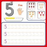 Nummerieren Sie die Karten und die Zahlen zählen und schreiben und Zahlen lernen, die Zahlen, die Arbeitsblatt für Vorschule verf stockfotografie