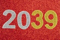 Nummerieren Sie zwei tausend und neununddreißig über einem roten Hintergrund Anniv Lizenzfreie Stockbilder