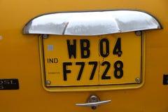 Nummerplaat de West- van Bengalen op een Ambassadeursauto Stock Afbeelding