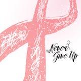 Nunca abandone la cita dibujada mano de las letras para la tarjeta de la conciencia del cáncer de pecho Imagen de archivo