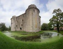 Nunney城堡和护城河 库存图片