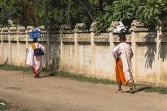 Nunnor i Myanmar Royaltyfri Foto