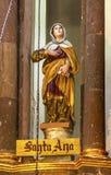 Nunnor San Miguel de Allende Mexico för kloster för moder för helgonAnne Statue Mary ` s fotografering för bildbyråer