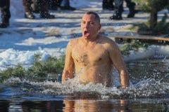 Nuotate dell'uomo Fotografia Stock