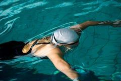 Nuotatore sotto acqua Fotografia Stock