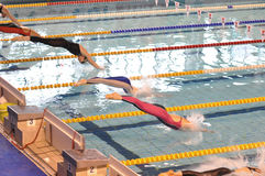 Nuotatori femminili fotografia stock