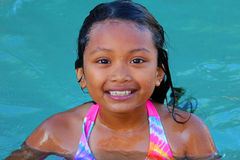 Nuoto asiatico della ragazza Fotografia Stock Libera da Diritti