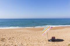 Nuoto dell'oceano della spiaggia Fotografia Stock