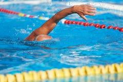 Nuoto senior attivo fotografia stock libera da diritti