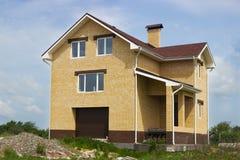 Nuova alta casa con mattoni a vista Immagini Stock