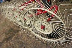 Nuova attrezzatura dell'azienda agricola dell'asfaltatore stradale del fieno Immagine Stock