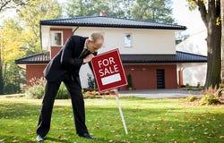 Nuova casa da vendere Immagine Stock