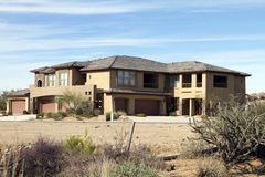 Nuova casa di lusso moderna di terreno da golf del deserto Immagini Stock
