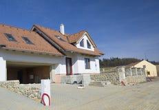 Nuova casa subito dopo di costruzione Immagini Stock Libere da Diritti