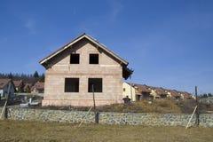 Nuova casa subito dopo di costruzione Fotografia Stock Libera da Diritti