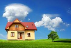 Nuova casa unifamiliare Immagini Stock Libere da Diritti