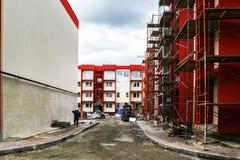 Nuova costruzione di appartamenti tipica di economia Immagini Stock