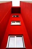 Nuova costruzione di appartamenti tipica di economia Immagini Stock Libere da Diritti