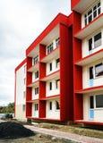 Nuova costruzione di appartamenti tipica di economia Immagine Stock