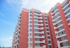 Nuova costruzione di appartamento moderna Fotografie Stock Libere da Diritti