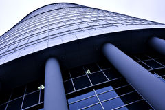 Nuova costruzione moderna del grattacielo dell'ufficio Fotografia Stock Libera da Diritti