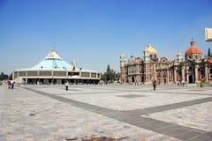 Nuova e basilica antica del nostro Maria di Guadalupe, Città del Messico Fotografia Stock