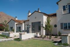 Nuova grande casa nel deserto dell'Arizona Immagine Stock