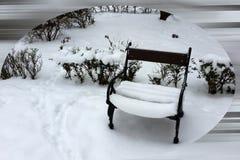 Nuova neve sulla poltrona immagini stock libere da diritti