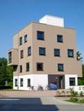 Nuova residenza multifamiliare Fotografie Stock Libere da Diritti