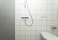 Nuova stanza da bagno Fotografie Stock Libere da Diritti