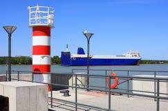 Nuova torre del radar e del faro Fotografia Stock Libera da Diritti