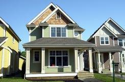 Nuove case da vendere Immagini Stock Libere da Diritti