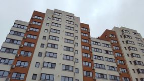 Nuove costruzioni del bene immobile con gli appartamenti immagine stock