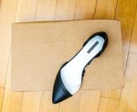 Nuove scarpe di cuoio della raccolta di estate Fotografia Stock