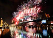 Nuovi anni di fuochi d'artificio, Australia Immagine Stock