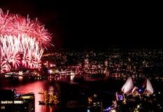 Nuovi anni di fuochi d'artificio di vigilia a Sydney Fotografie Stock Libere da Diritti