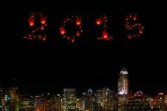 2015 nuovi anni sopra la città alla notte Immagine Stock