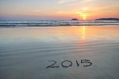 2015 nuovi anni sulla sabbia della spiaggia Fotografie Stock Libere da Diritti