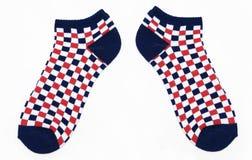 Nuovi calzini Checkered bianchi e blu di colore rosso, immagine stock