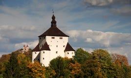 Nuovi castello e Calvary Fotografia Stock Libera da Diritti